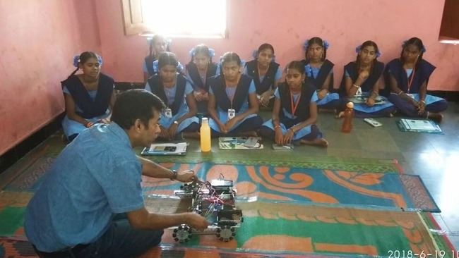 Kids from Allampally and Beersaipet get the taste of Artificial Intelligence