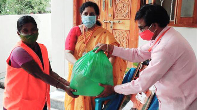 Warangal VT supports sanitation workers during covid 1